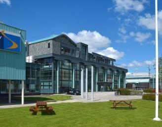 Bolton Üniversitesi