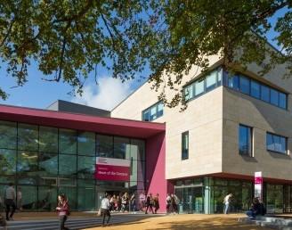 Sheffield Hallam Üniversitesi
