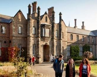 York St John Üniversitesi